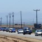 strade della california tra campi coltivati e l'oceano