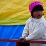 bambina su un carretto ad Ayaviri