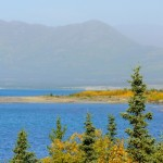 kluane lake nei pressi di destruction bay