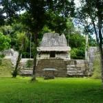 tikal-guatemala piazza dei sette templi