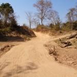 56 km di sterrato da kong lor alla strada asfaltata